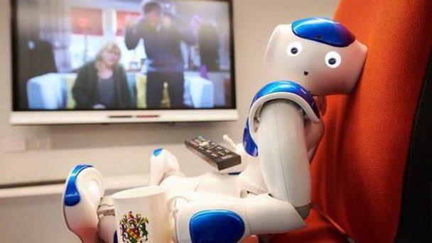 Роботи се научават да предсказват човешкото поведение гледайки видеоклипове с хора